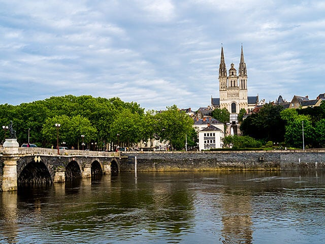 Book your flight to Angers with eDreams