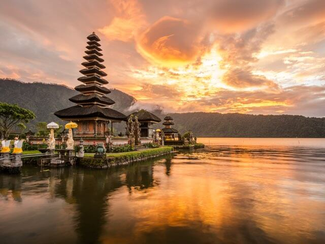 Book your flight to Bali with eDreams