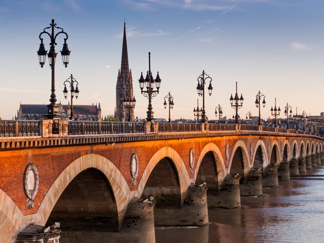 Book your flight to Bordeaux with eDreams