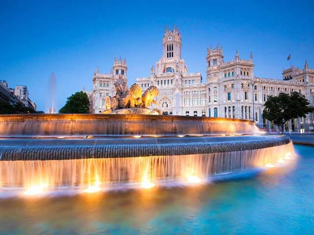 Book your flight to Madrid with eDreams