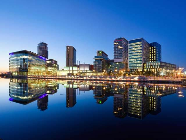 Book your flight to Manchester with eDreams