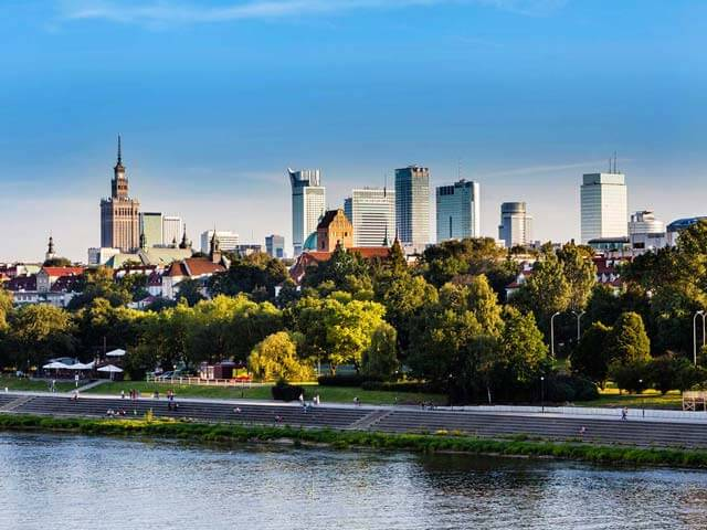 Book your flight to Warsaw with eDreams